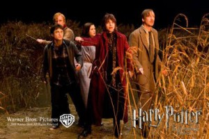 Attack-on-the-Burrow-HBP-NEW-ginervra-ginny-weasley-2268035-400-267